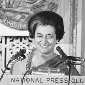 Indira Gandhi, Premier ministre en Inde
