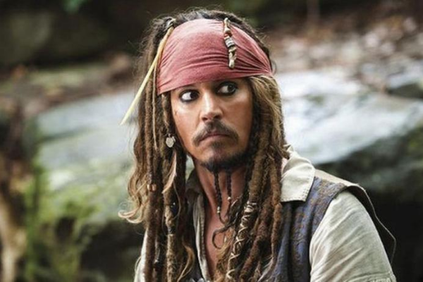 johnny depp dans le role de jack sparrow