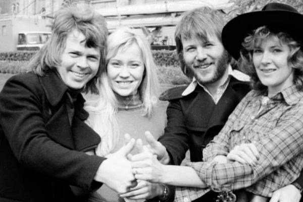 Pourquoi «ABBA» continue de traverser les époques?