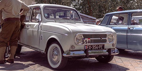 1961 - Production de la Renault 3 - Banner