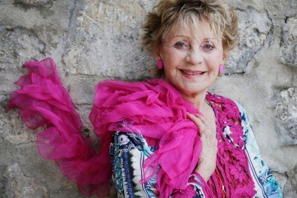 Annie Cordy en rose au Festival d'Angouleme