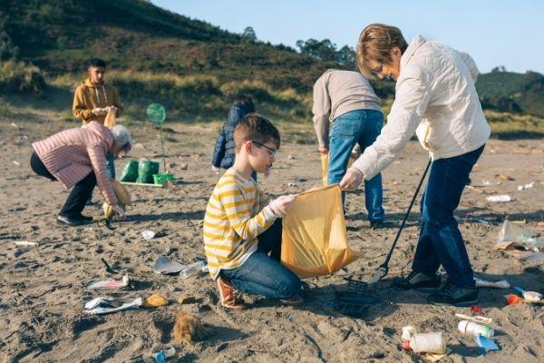 enfant déchets