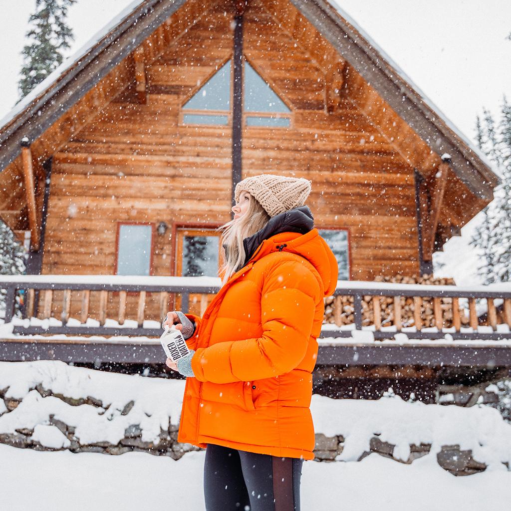 Femme dans la neige