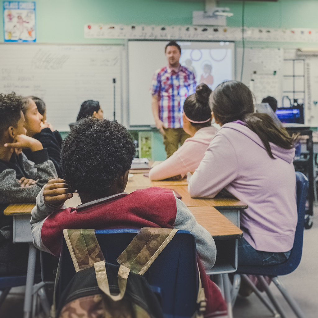 Enfants dans une classe