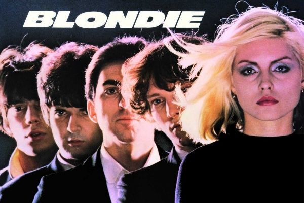 Blondie cover album Social Distance