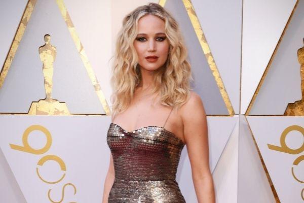 Jennifer Lawrence, la star de Hunger Games, attend son