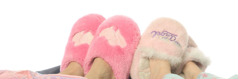 deux paires de chaussons